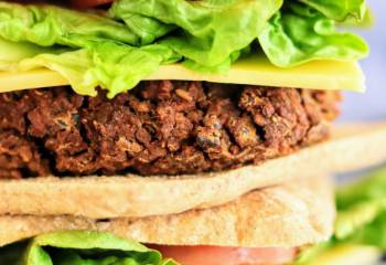 Slimming World Syn Free Spicy Bulgur & Veggie Bean Burgers