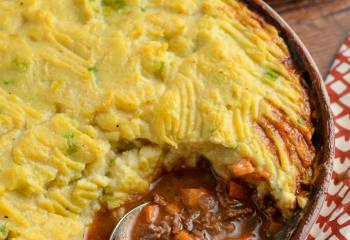 Healthy Cottage Pie With Cauliflower Spring Onion Mash