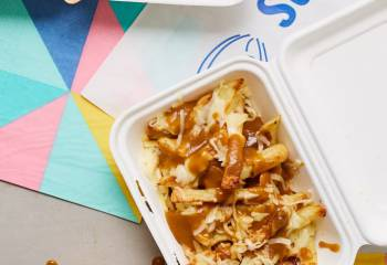 Cheesy Chips And Gravy