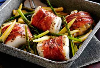 Slimming Worlds Parma Ham-Wrapped Cod With Sweetcorn And Asparagus Recipe