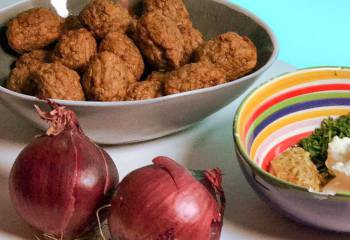 Veggie Meatballs With Onions And Mustard Sauce | Slimming World & Weight Watchers Friendly