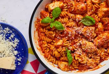 Creamy Roasted Red Pepper &Amp; Chicken Pasta
