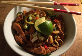 Spicy Satay Chicken Zoodles