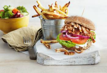 Sw Recipe: Bbq Pulled Chicken Burger And Chips