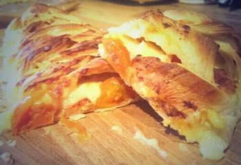 Recipe: Cheese, Onion & Tomato Plait