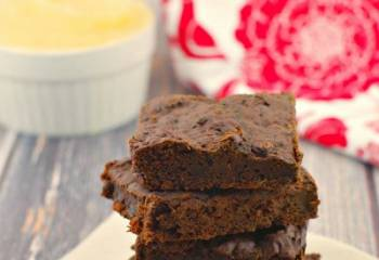 Healthy Applesauce & Spinach Brownies