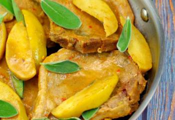 Pork Chops With Apple-Sage Sauce