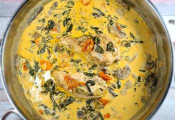Chicken With Creamy Spinach &Amp;Amp; Parmesan Sauce | Slimming Friendly Recipe