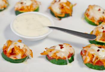Buffalo Chicken Zucchini Pizza Bites
